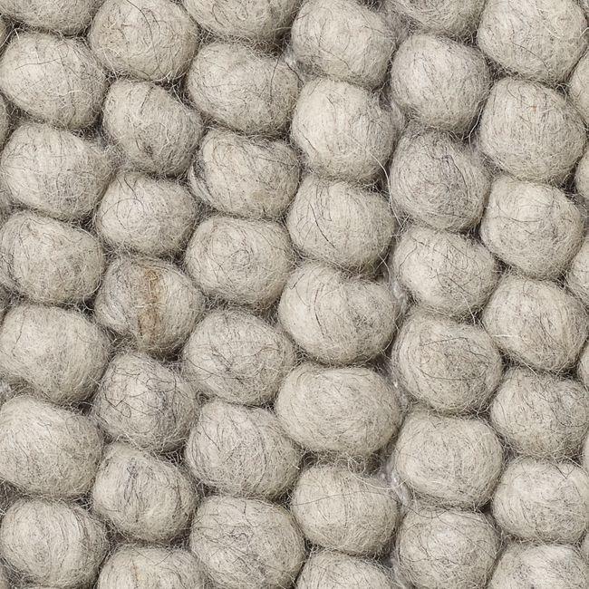 nordicthink alfombra peas hay. Black Bedroom Furniture Sets. Home Design Ideas